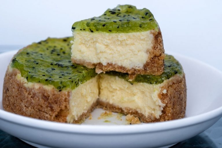 Fresh Fruity Kiwi Cheesecake
